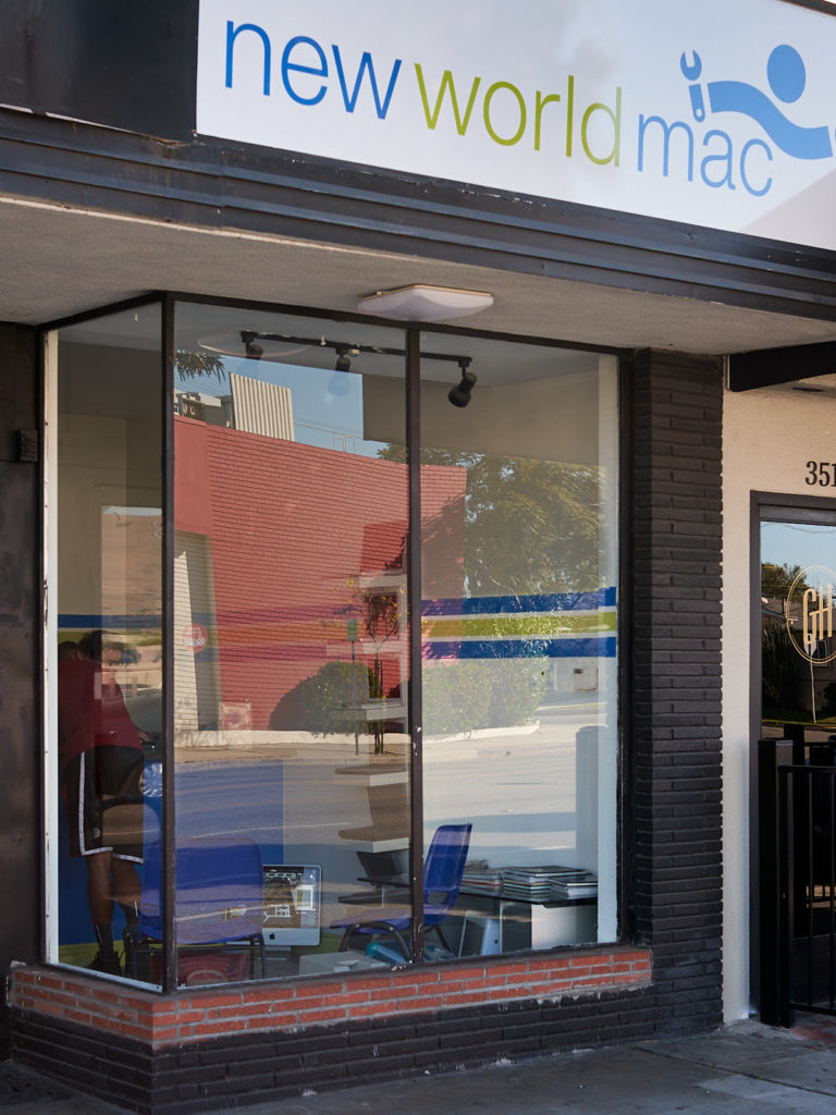 Outside picture of New World Mac in Burbank, LAs highest rated Mac Repair shop